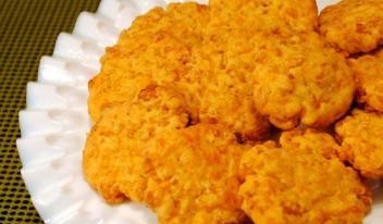 Сырное хрустящее печенье