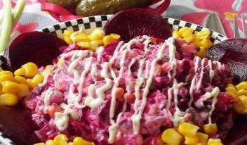 Вкуснейший салат из свеклы, моркови и говядины